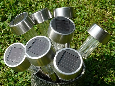 Cleaning Solar Lights
